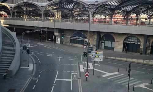 محطة قطار كولونيا تعمل 24 ساعة، لكن فارغة!